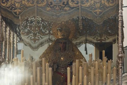 Presentación de la saya de las perlas de Madre de Dios de la Misericordia