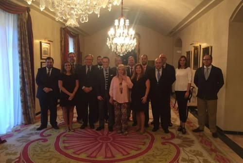 La alcaldesa de Jerez recibe a la Unión de Hermandades