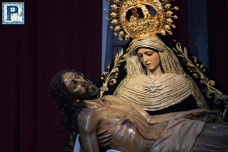 Los besamanos del Viernes de Dolores en imágenes. Por Lucas Álvarez