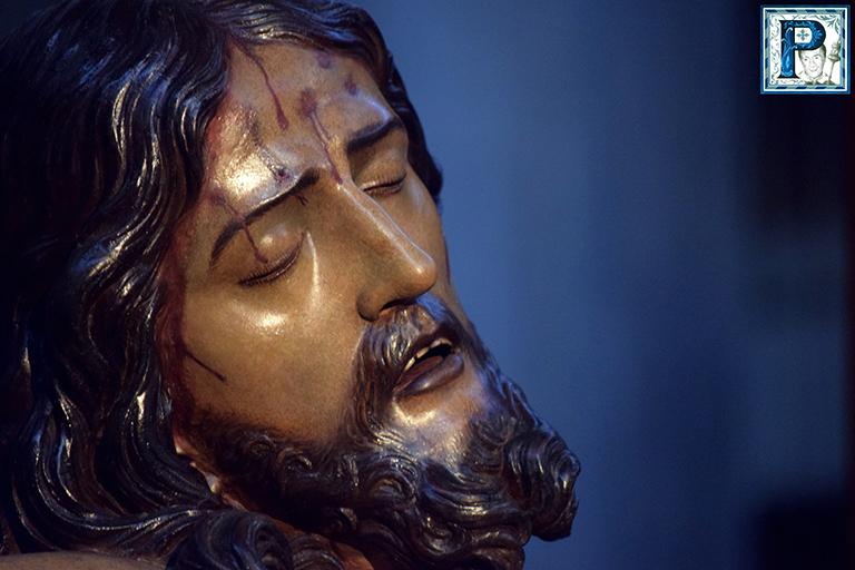 Revisión de Pedro Manzano al Cristo de la Defensión tras su restauración