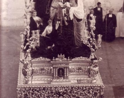 «XL Aniversario de la salida procesional de la Borriquita desde el interior del Oratorio de la Escuela de San José» por Abelardo Escudero y Manuel Tordesillas