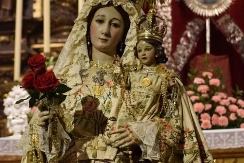 El Besamanos de la Virgen del Rosario en imágenes. Por Lucas Álvarez