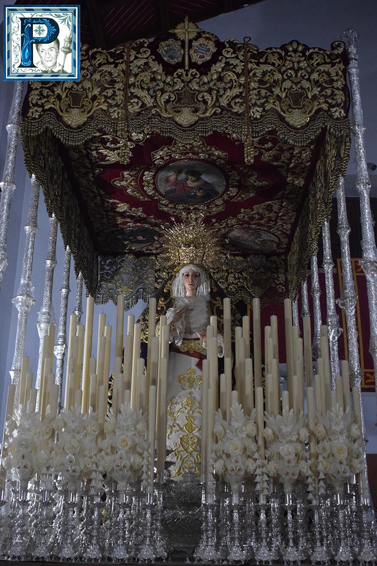 La Virgen de los Dolores de la Barca en el paso de palio desde el objetivo de Lucas Álvarez