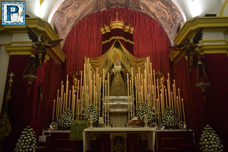 El altar del Tríptico Mariológico de la Virgen de la Paz desde el objetivo de Lucas Álvarez