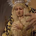 Los besamanos del quinto domingo de Cuaresma desde el objetivo de Lucas Álvarez