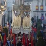 Relevo musical tras el palio de la Virgen del Desconsuelo