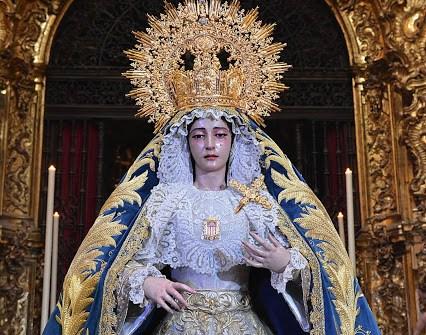 SEVILLA|El besamanos de la Virgen de la Merced desde el objetivo de Benito Álvarez
