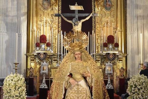 SEVILLA| El Besamanos y Besapiés Extraordinario del Amor por el IV Centenario de la fusión Hermandad desde el objetivo de Benito Álvarez