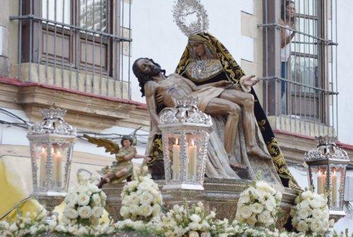 """EN VIDEO: """"Rosario de la Aurora de la Virgen de las Angustias"""""""