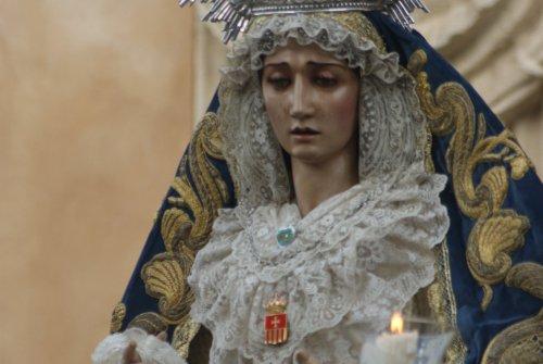 El Rosario de la Aurora de la Virgen del Desconsuelo desde el objetivo de Lucas Álvarez