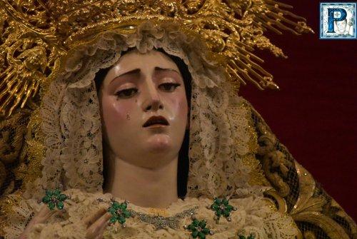 El altar de la Virgen de la Paz para el Tríptico Mariológico desde el objetivo de Lucas Álvarez