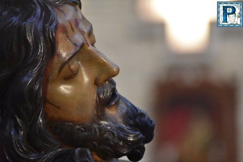 Acto de Adoración a la Cruz en Capuchinos