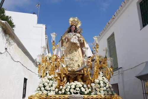 Bornos ya espera la Coronación de la Virgen del Rosario