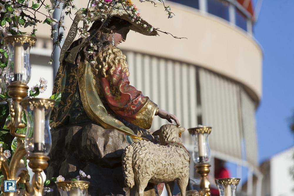 La procesión de la Divina Pastora de Capuchinos desde el objetivo de Luis Serna