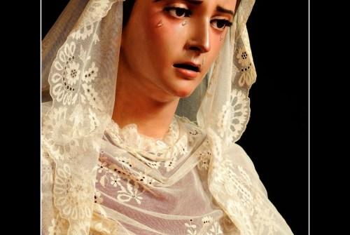 La Borriquita inicia el proceso de recogida de oro para la Virgen de la Estrella