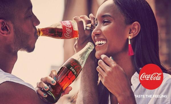 coca-cola-taste-the-feeling-pareja