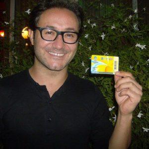 El actor y músico Carlos Santos
