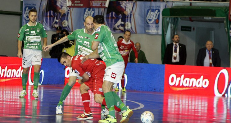 Los murcianos consiguen los tres puntos y duermen líderes de Primera División