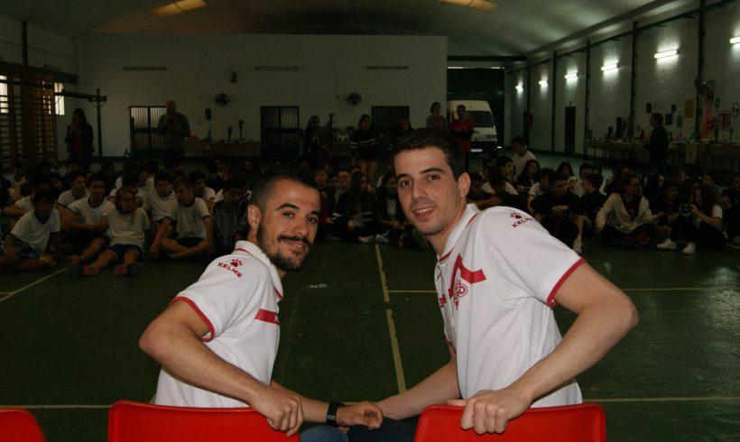 ElPozo al Cole| Fabio y Juampi visitan a los escolares del Colegio San José de Murcia