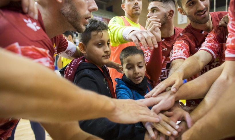 ELPOZO EN LOS COLEGIOS| Hatim y Rubén viven una noche mágica con ElPozo Murcia FS
