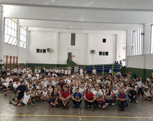 ELPOZO AL COLE| Andresito y Matteus hacen disfrutar a 300 niños del Colegio Santa Joaquina de Vedruna de Murcia