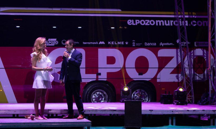 ACTO| Un espectáculo circense para presentar el nuevo autobús de ElPozo Murcia FS