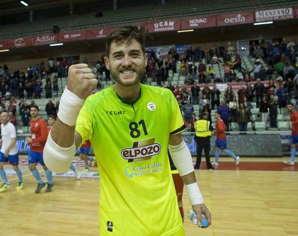 ElPozo Murcia Costa Cálida tira de casta para llevarse los tres puntos ante Ribera Navarra (2-1)