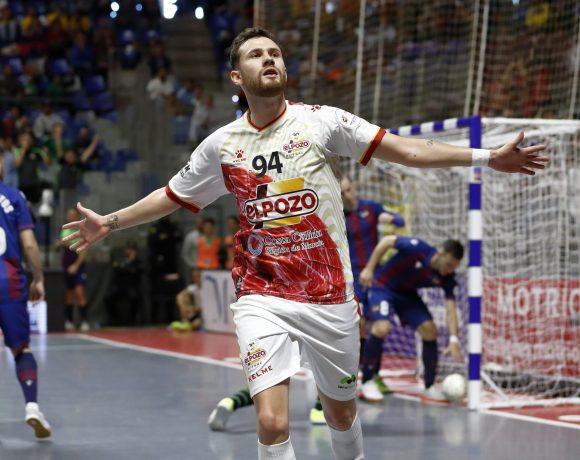 CRÓNICA CUARTOS COPA DE ESPAÑA  ElPozo supo sufrir ante el Levante y ya está en Semifinales