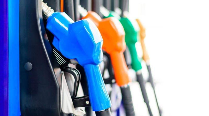 Precios de combustibles suben entre $0.06 y $0.11 por galón