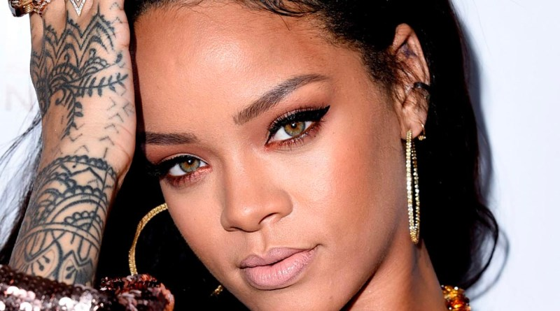 Rihanna afina esperado regreso con video musical