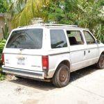 Llamado a las autoridades para que retiren un vehículo abandonado