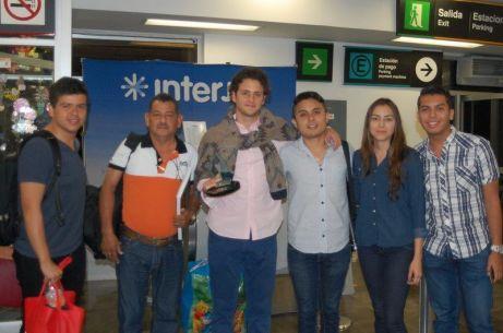 Christopher Uckerman ex RBD- ORIGEN: Chetumal Quintana Roo DESTINO: México Distrito Federal MOTIVO: retorno después de impartir una conferencia en el foro juvenil del Agua y desarrollo Sustentable