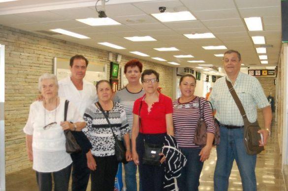 Familia Díaz Albarrán ORIGEN: Chetumal Quintana Roo DESTINO: Toluca MOTIVO: retornaron después de disfrutar de una semana de vacaciones, los despidió José Luis Díaz Albarrán.
