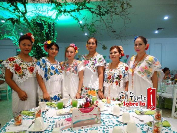 Damaris Victoriano, Berta Zavala Góngora, Elena Pacheco Pacheco, Emma Martínez Guzmán, Verónica Soberanis Vázquez y Elena González Flores