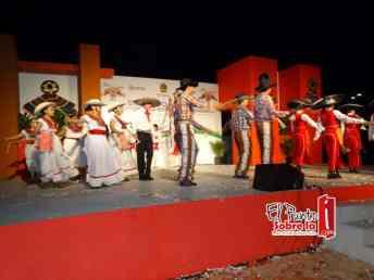 El evento fue enmarcado con alegre festival artístico cultural en el que se presentó el Ballet Folklórico del Gobierno del Estado. También Estuvieron presentes autoridades civiles y militares.