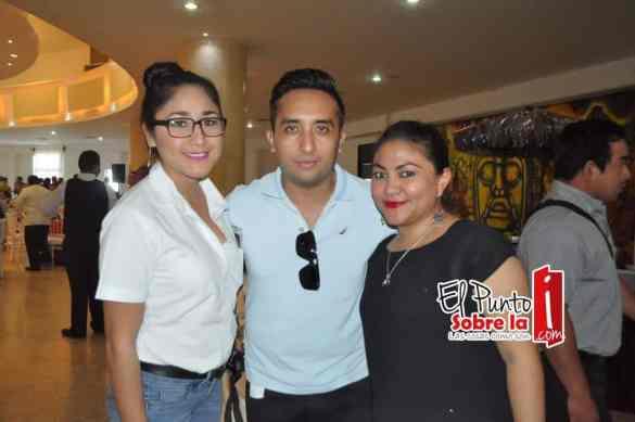 Aurora Montiel, Jorge Aguilar y Rosy Dorado.