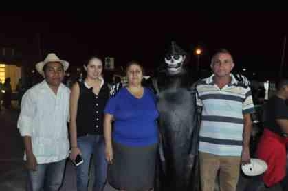 David Barragán, Wilberth Cruz y sus padres Elizabeth Alejandro, Wilberth Cruz junto Yeni Cruz.