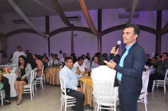 En el mismo sentido el Coordinador de Comunicación Social del Gobierno de Carlos Joaquín, pidió a los reporteros presentes estar siempre activos y aceptara las críticas buenas o malas por lo que dio la bienvenida a la Libertad de expresión.