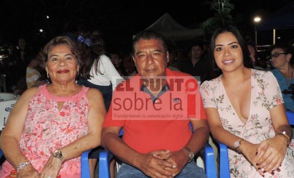 Guadalupe Aguiluz, José Luis Sánchez y Hazibi Aguiluz.