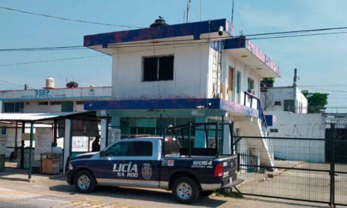 https://www.palcoquintanarroense.com.mx/noticias-de-quintana-roo/alegan-presunta-agresion-policiaca-en-detencion-contra-un-joven-en-chetumal/