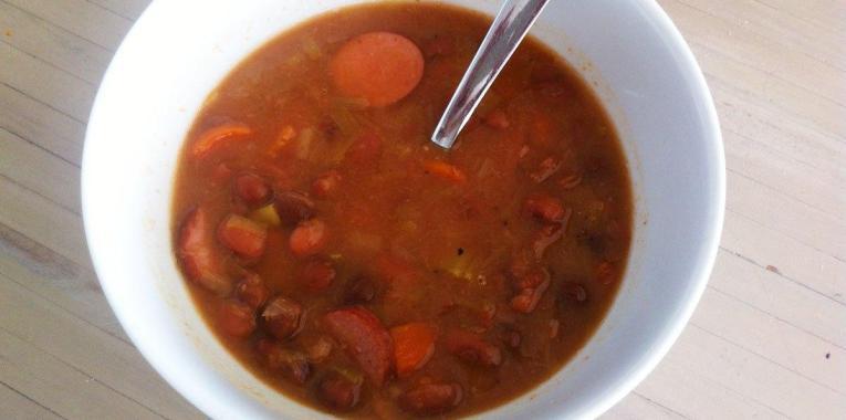 Sopa de Frijoles y Chorizo