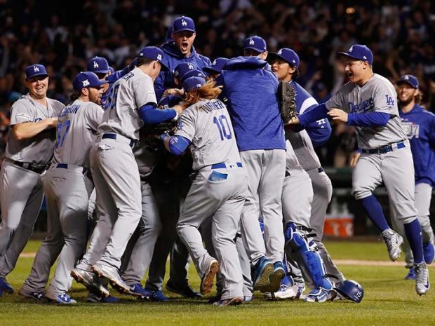 Resultado de imagen para los Dodgers aplastaron el jueves 11-1 a los Cachorros de Chicago