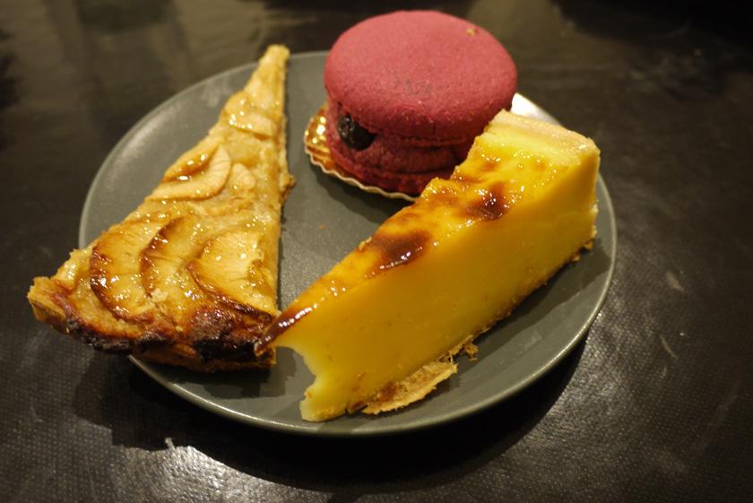Apple tart, Flan and Mixed Berries Macaron