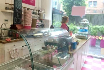 Hey Little Cupcake shop counter