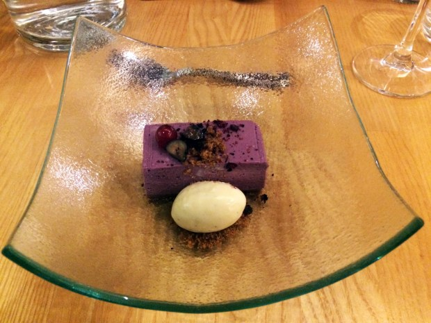 Rye- blueberry pastry with rosemary and vanilla ice cream