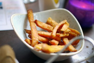 Sweet potato fries and garlic mayo (v) (df) (gf) £2.99