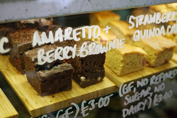 Amaeretto and berry brownies