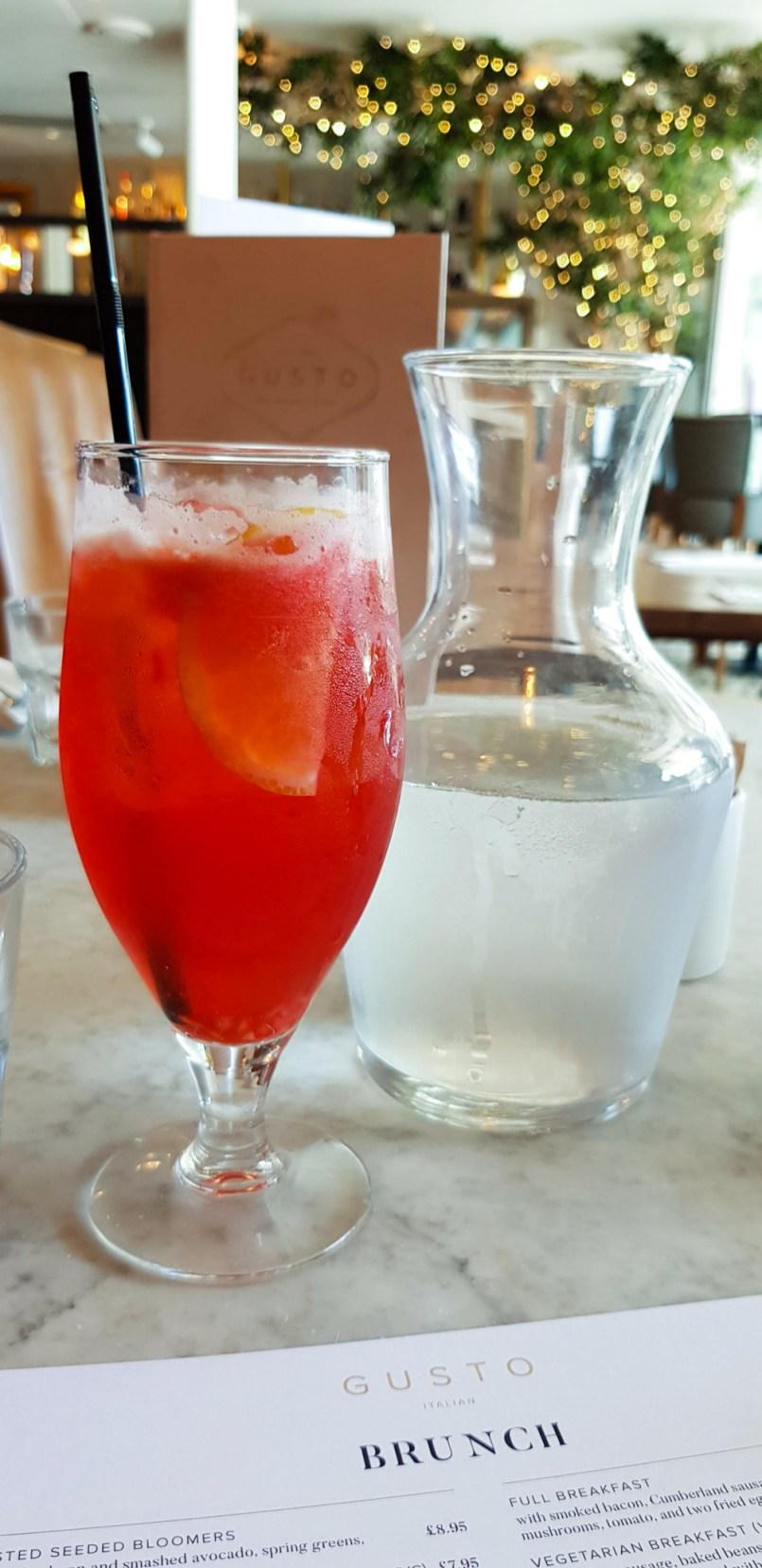 Elderflower and strawberry iced tea