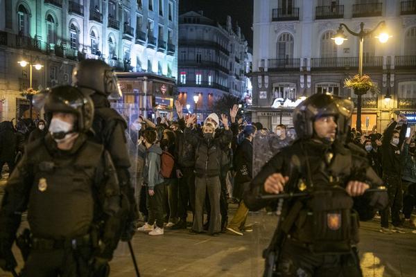Manifestación en Madrid contra el encarcelamiento del rapero Pablo Hasél. - 21