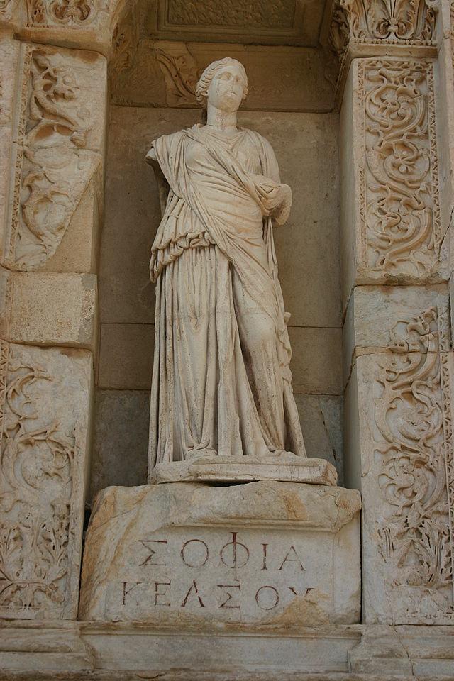 Personificación de la sabiduría (en griego, Σοφία Sofia) en la Biblioteca Celsus en Éfeso, Turquía. © José Luiz Bernardes Ribeiro / Fuente : Wikipedia